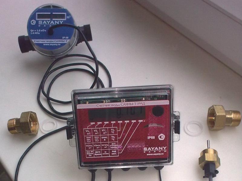 Счетчики горячей воды с термодатчиком: особенности расходомеров и их установка