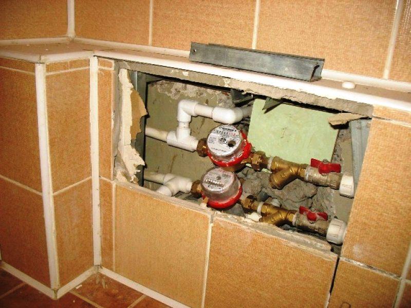 Кто устанавливает счетчики на воду в квартире