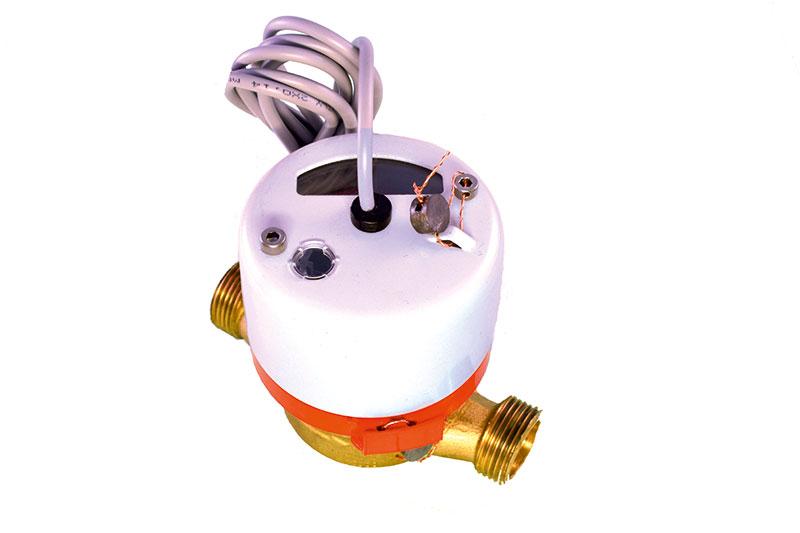 Счетчик горячей воды ВСТ 15 с импульсным выходом